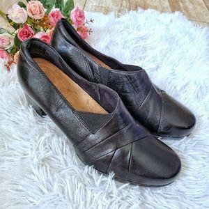 Clarks Rosalyn Adele Black Leather Block Heel Pump